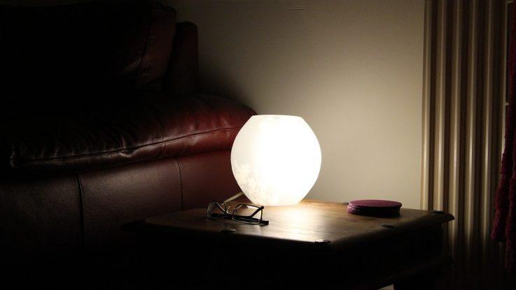 Illuminazione salva casa piccola corretta gestione di luci e aria