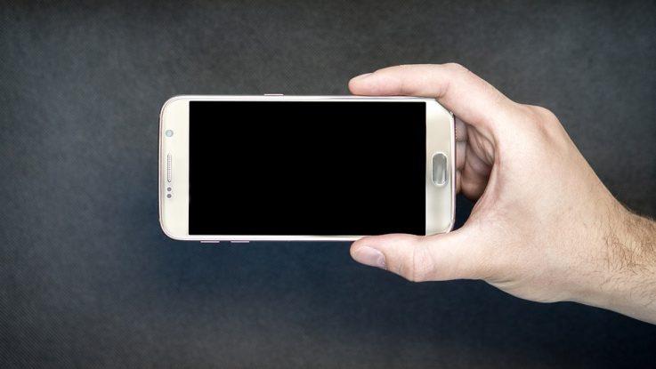 Come non pulire uno smartphone