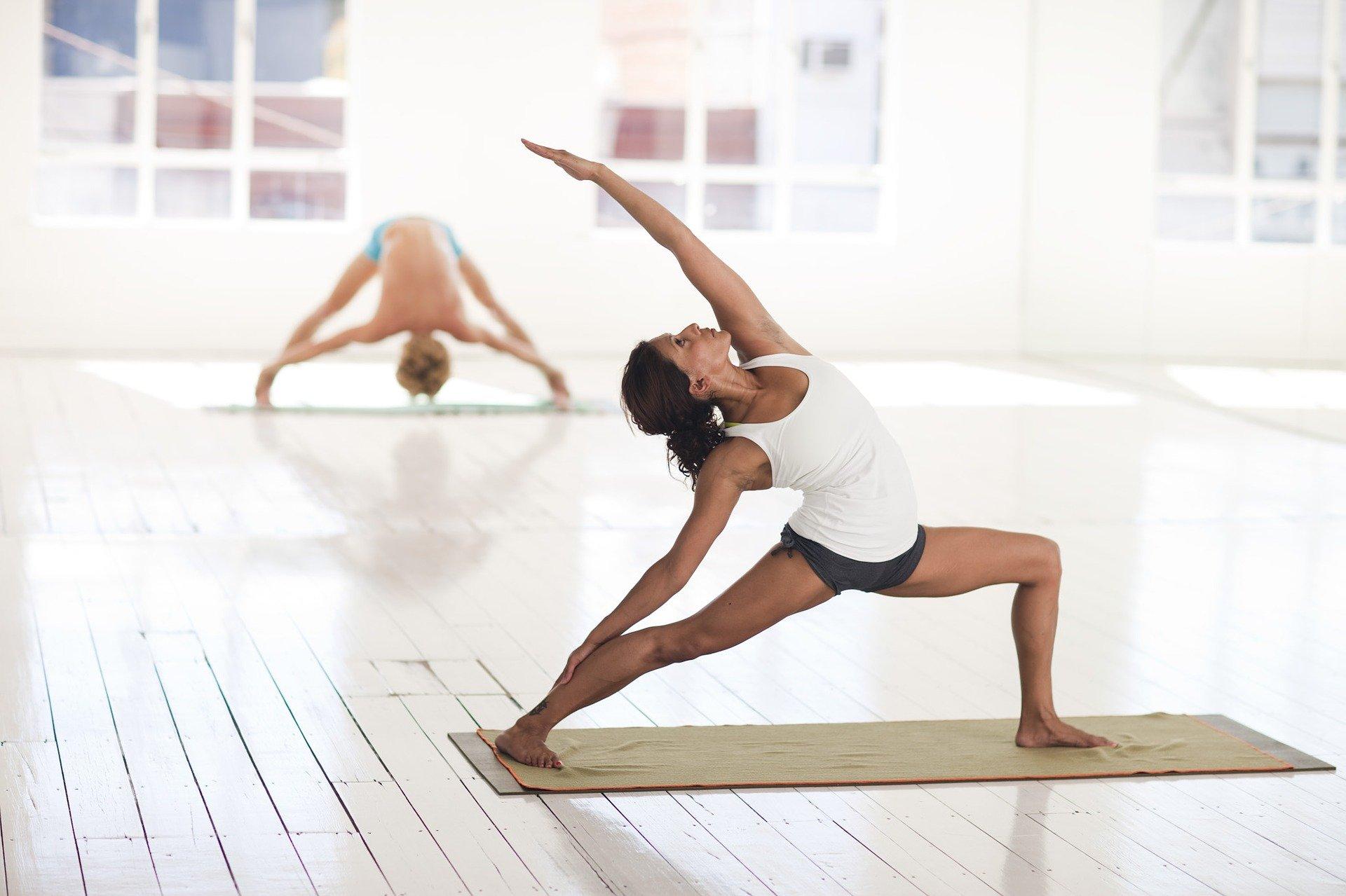 7 yoga-2959226_1920